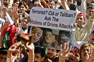 Supporters of Pakistan Tehrik-e-Insaf condemn US drone attacks